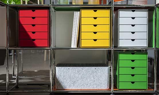 Les étagères USM sont les meilleurs compléments aux bibliothèques